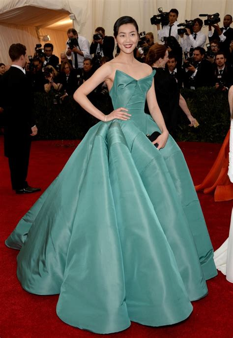 Lucky Liu At The Met Costume Gala With Zac Posen And 35 Carats Of Yellow Sapphires To Left by 2014 Met Gala Carpet Looks
