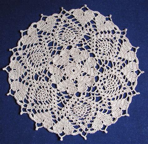 free pattern heart doily free crochet pattern hearts doily make it crochet