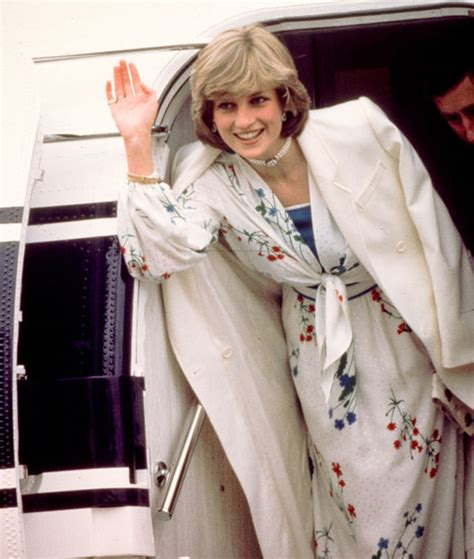 princess diana latest fashion and style trends princess diana s dresses to be exhibited at kensington