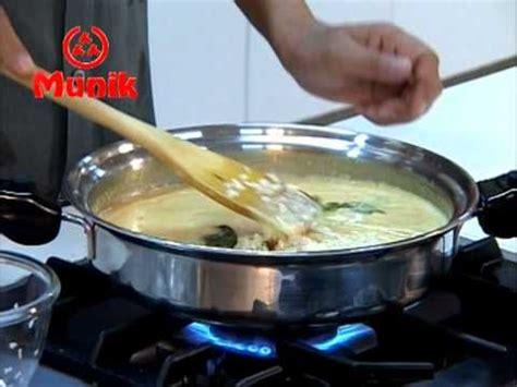 buat nasi kuning pakai rice cooker munik nasi kuning yellow rice cooking direction by