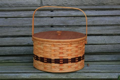 Handmade Baskets Ohio - amish pie carrier basket with tray and lid