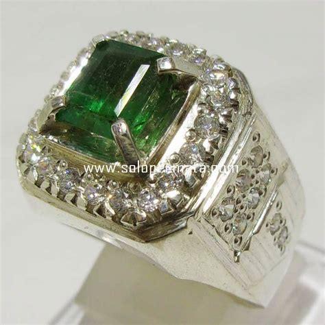batu permata green emerald berryl zamrud 8k04 toko
