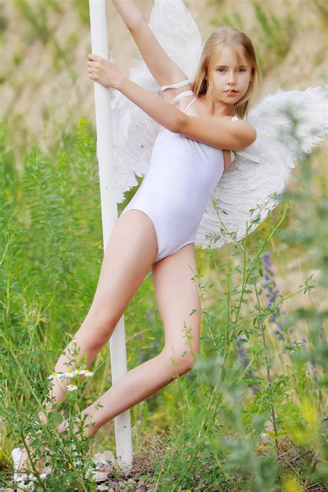 teen model angel girls and teens beachwear