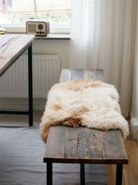 tappeto di pecora 8 esempi di tappeti di pelle di pecora ideare casa