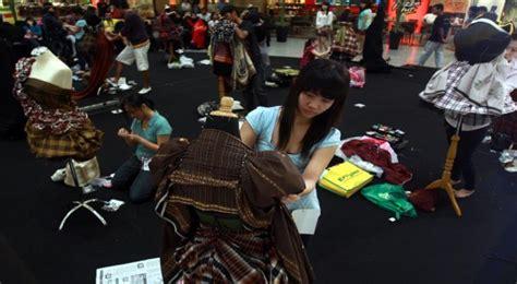 Baju Atasan Dari Negara Singapura penyelundupan baju bekas dari malaysia singapura masih tinggi okezone economy
