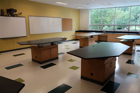 design lab high school calendar a biology lab at the new wakefield high school arlnow com
