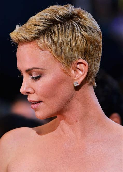 8 Hairstyles I Loved At The Oscars by Side View Of Charlize Theron S Pixie Cut Hair