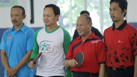 Meja Tenis Sukabumi bima arya ditantang maen tenis meja