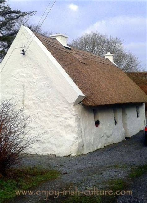 thatched irish cottage in connemara county galway