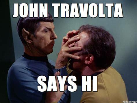 John Travolta Meme - tutti i meme su john travolta e lo strano bacio a scarlett