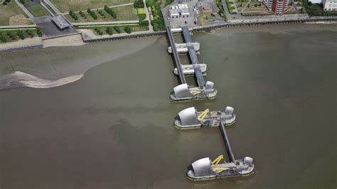thames barrier falling radial gates floods crisis is london in danger channel 4 news