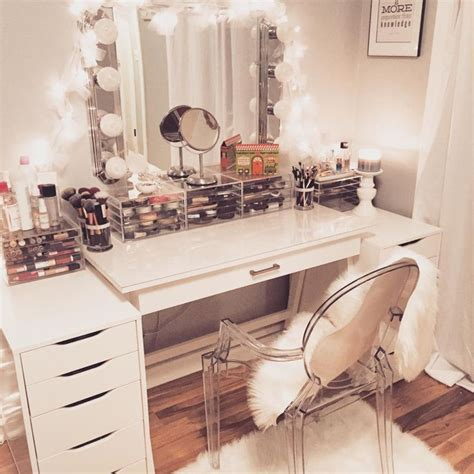 White Makeup Vanity Table Best 25 White Makeup Vanity Ideas On Pinterest White Vanity Ikea Vanity Table And Bedroom