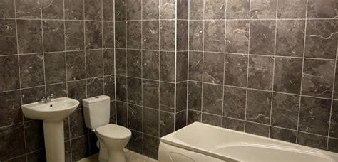 Tiled Bathroom Walls by How To Tile A Bathroom Wall Self Build Co Uk