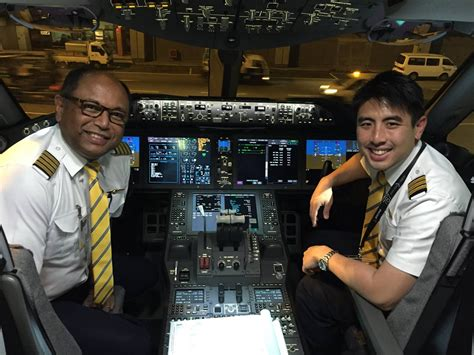 Cathay Pacific Cabin Crew Hiring Philippines by Fly Gosh Flyscoot Pilot Recruitment Direct Entry B787