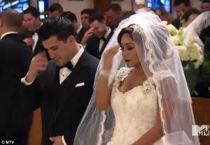 snooki wedding snooki s wedding to jionni lavalle airs in mtv show finale
