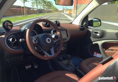smart brabus interni foto smart fortwo cabrio turbo brabus tailor made interni