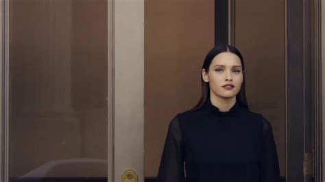 commercial model release lola mullenlowe