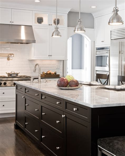 25 traditional dark kitchen cabinets oak cabinet kitchen kitchen paint colors with oak cabinets kitchen traditional
