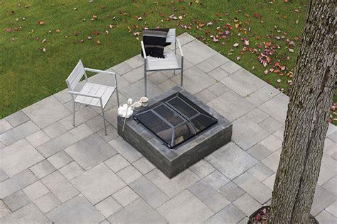 Patio Drummond - moderno fireplace patio drummond