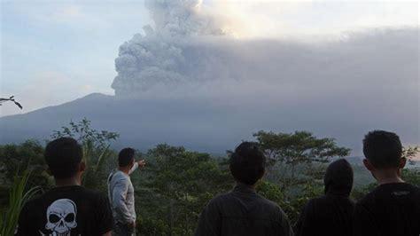 citilink gunung agung erupsi gunung agung penerbangan citilink ke lombok