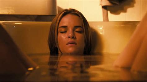 danielle panabaker piranha the horror hotel review piranha 3dd 2012