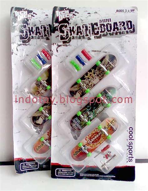 Skateboard Mini Harga Terjangkau jual mini finger skateboard jual figure