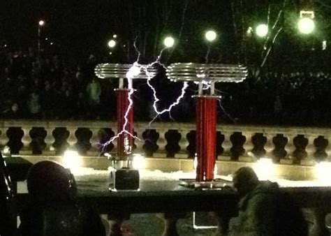 Tesla Coil Doctor Who Engineering Open House At Uiuc Crushing Concrete Musical