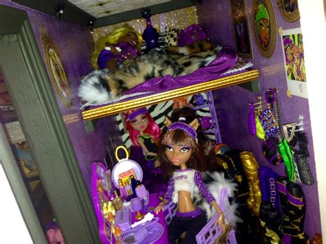 how to make a monster high doll house wolf den monster high doll house tour room 4 of 40 bed of clawdeen clawdia howleen