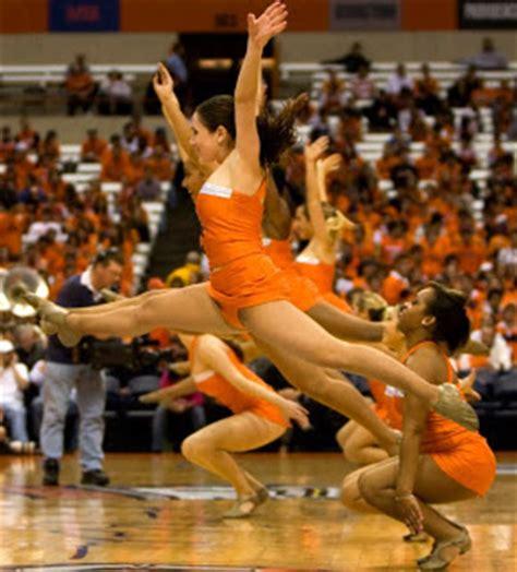 ncaa cheerleaders uniform malfunctions nba cheerleaders wardrobe malfunctions www pixshark com