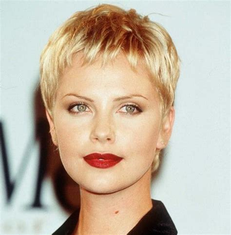 photos of early monica gellar pixie hair style 205 best images about hair on pinterest pixie hairstyles
