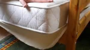 wie bekommt blutflecken aus der matratze wie bekomme ich die meisten milben aus dem bett allergie