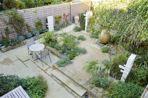 Patio Ideas For Small Gardens Uk Small Backyard Design Ideas On A Budget Deck Designs For Garden No Grass Cheap Garden Trends