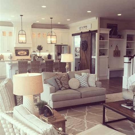 open floor plan decor this neutral family room is open to the come arredare il tuo salotto in stile shabby