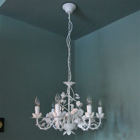 Ivory Cream Six L Rose Chandelier Melody Maison 174 Ivory Chandelier