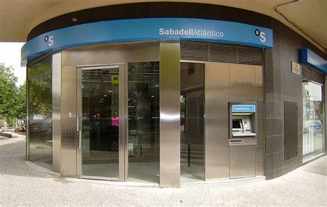 oficina banc sabadell banco sabadell l 237 der en satisfacci 243 n de sus clientes