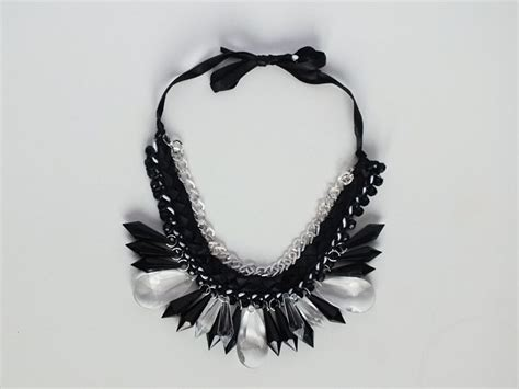 fiori di nastro fai da te come fare una collana intrecciata con catenina nastro di
