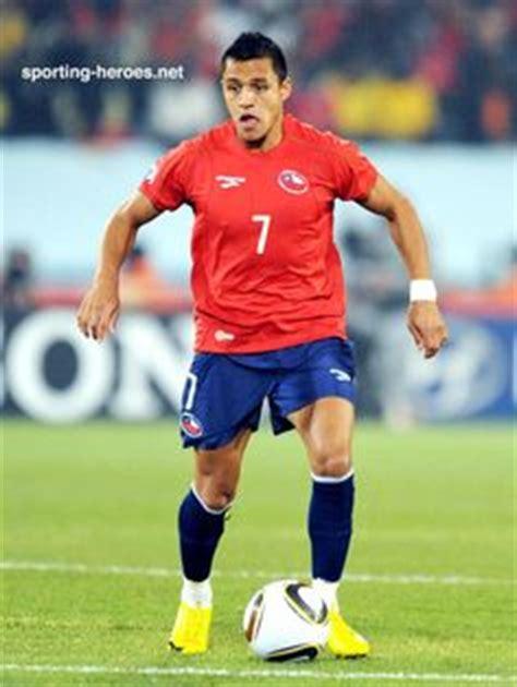 alexis sanchez cleats football on pinterest world cup neymar and nike soccer