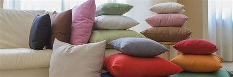 cuscini decorativi per divano cuscini arredo per divani dettagli di stile morbidissimi