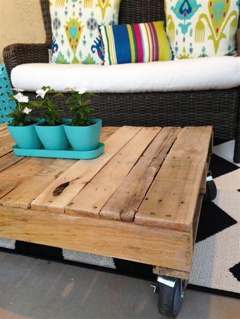 diy wood pallet coffee table rebecca propes design diy