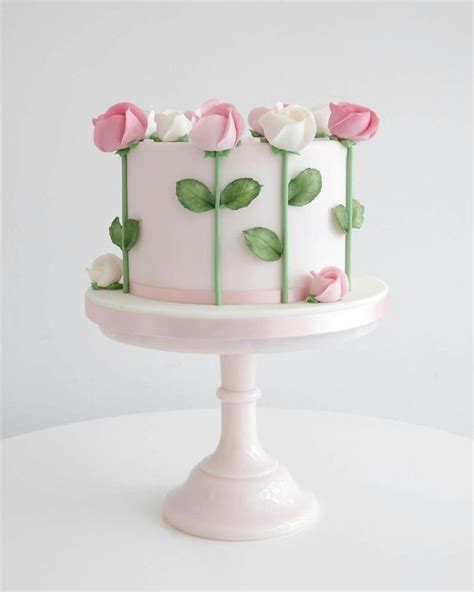 Fondant Birthday Cakes by The 25 Best Fondant Flower Cake Ideas On Easy