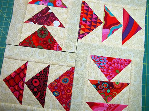 Piecing Patchwork Patterns - paper piecing tutorial