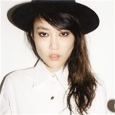 rinko kikuchi height celebrity orlando bloom weight height and age photos