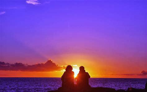 imagenes para fondo de pantalla romanticas atardecer romantica pareja en la playa fondos de