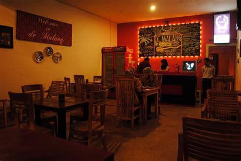 Omah Coffee Malang ajak pasanganmu menikmati malam di 8 cafe romantis di