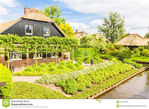 giardini olandesi e giardini olandesi tipici in giethoorn fotografia
