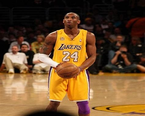 kobe bryant bench l a lakers planning to bench kobe bryant