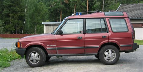 land rover maroon file land rover discovery si maroon side jpg