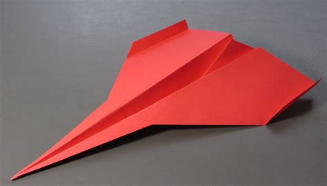 How To Make A Paper Jet That Flies - how to make a paper airplane that flies really far