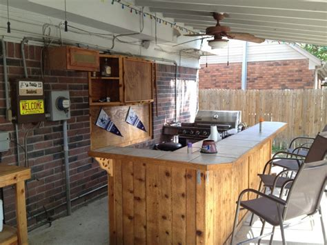 outdoor bar and kitchens with wall mounted wood