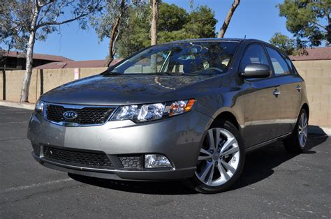 2011 kia forte 5 door car review popscreen 2011 kia forte 5 door sx first drive